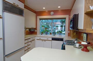 3_hall_kitchen.jpg