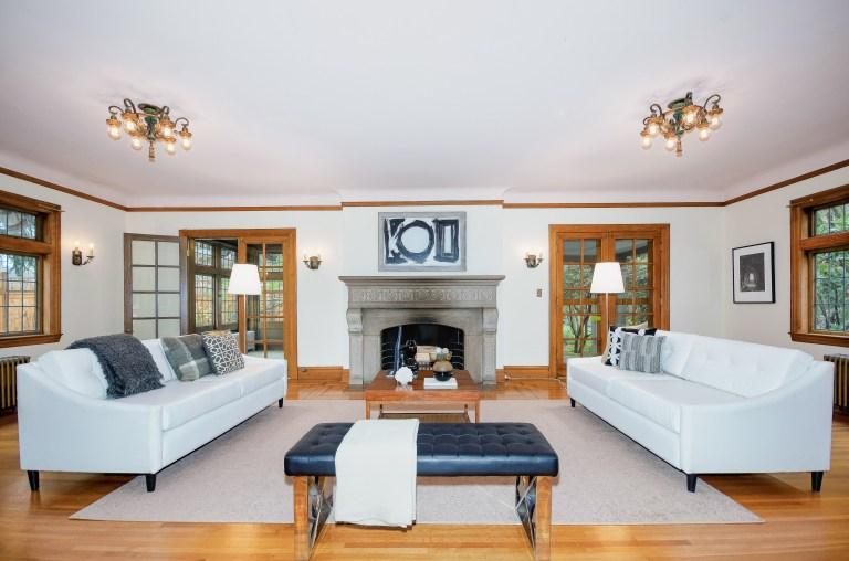 005_5-Living Room