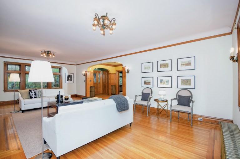 008_8-Living Room
