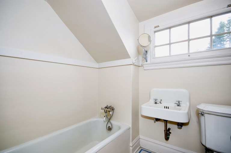 032_32-Bath - Level 3