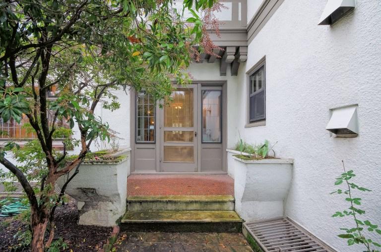 042_42-Garden Entrance